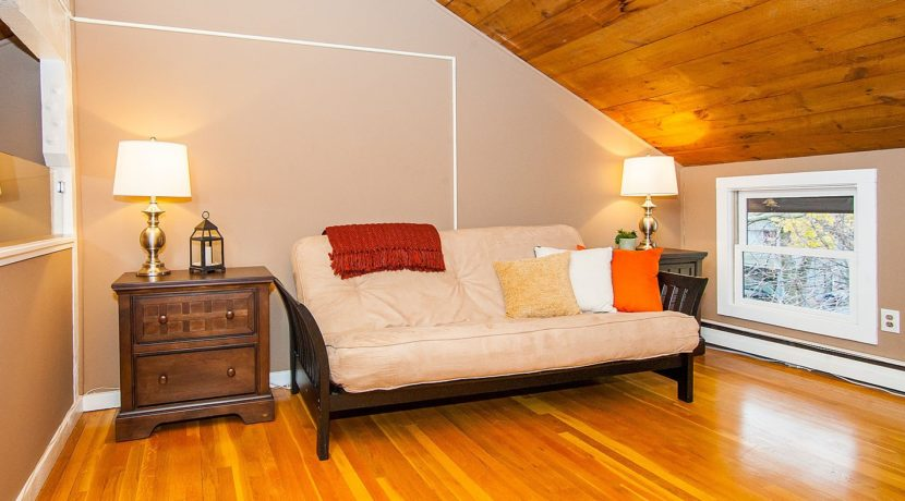 46vi-bedroom-2